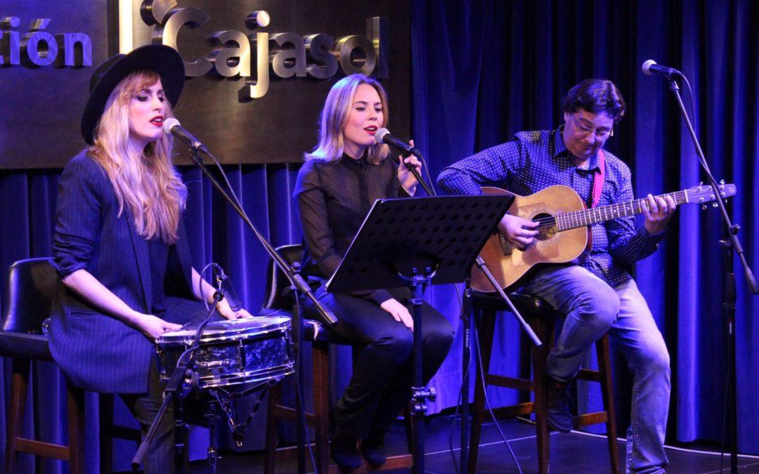 Undo Trois revisa los clásicos del pop y del rock desde su peculiar propuesta en 'Los Jueves en la Cuarta' de la Fundación Cajasol en Huelva