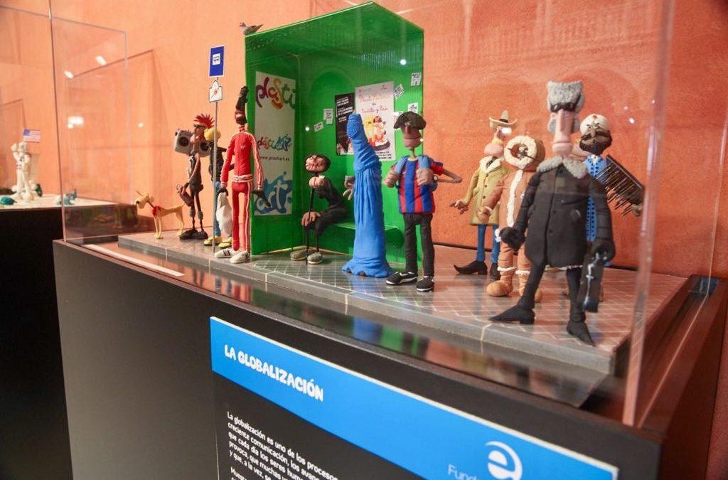 La Fundación Cajasol plantea un recorrido por la Historia de la Humanidad a través de la plastilina