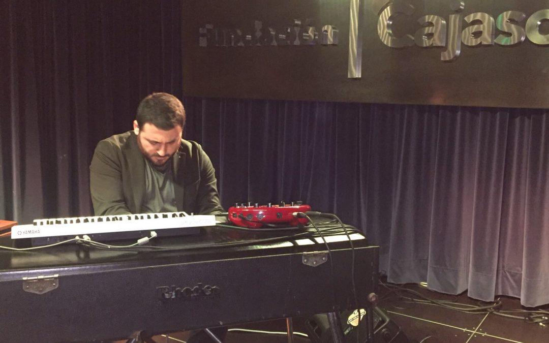 El pianista Juan Pérez Rodríguez experimenta con el flamenco y la electrónica en 'Los Jueves en la Cuarta' de la Fundación Cajasol en Huelva