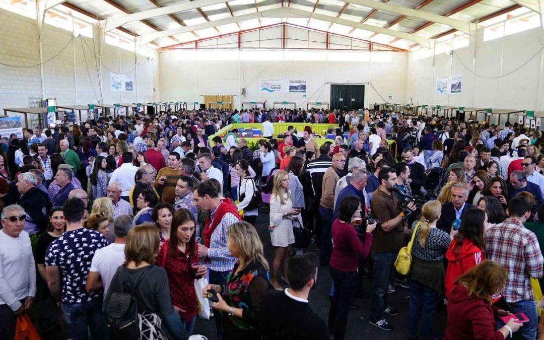 La Fundación Cajasol participa en una Feria del Queso Artesanal de Andalucía 'de récord' en Villaluenga del Rosario