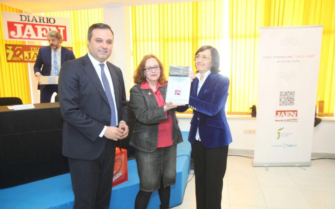 Entrega del II Premio Internacional de Novela Corta 'Diario de Jaén' a María Teresa Lezcano