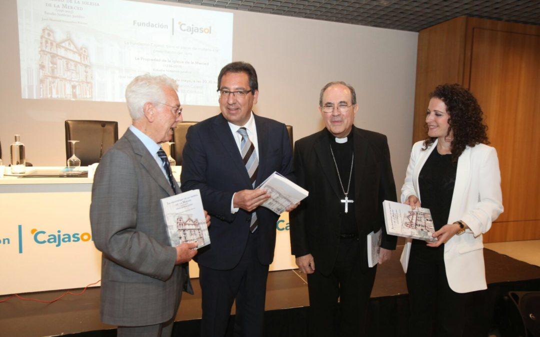 La Fundación Cajasol presenta el libro 'La propiedad de la iglesia de la Merced' en Córdoba