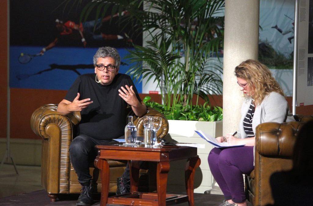 Pedro Guerra, estrella invitada al primer encuentro del 'BuleBar Poético' en la Fundación Cajasol