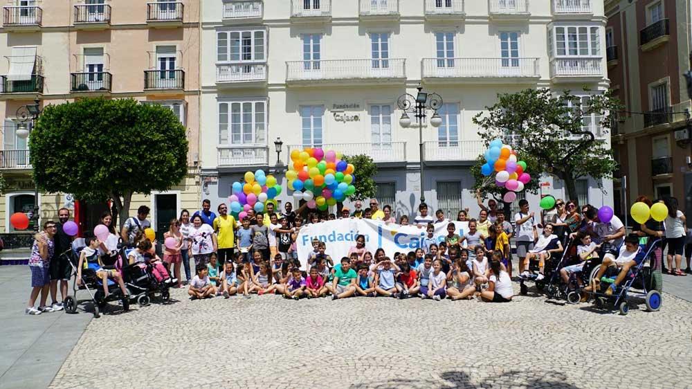 Talleres, exposiciones y encuentros sociales para celebrar el Día de la Educación en la sede de la Fundación Cajasol en Cádiz
