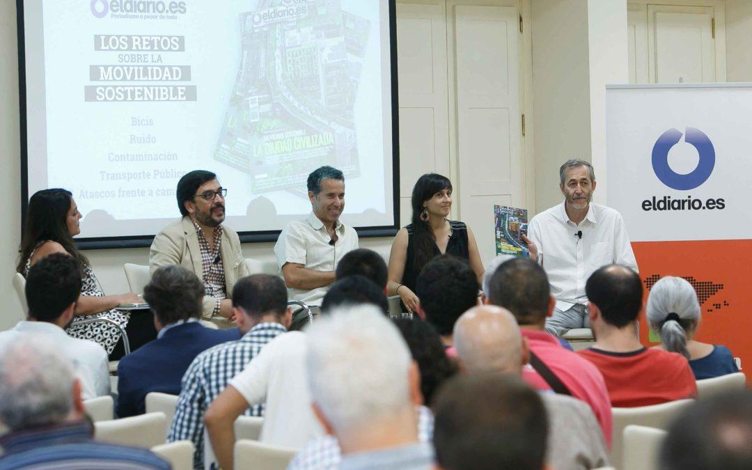 Los retos sobre la movilidad sostenible, a debate en la Fundación Cajasol de la mano de la revista 'La ciudad civilizada'