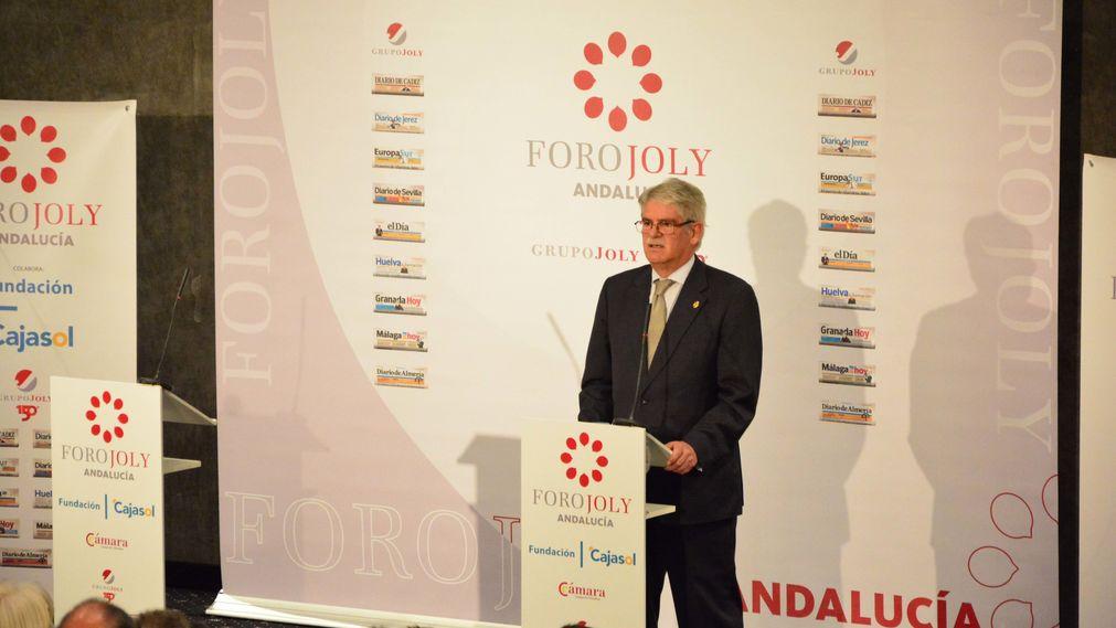 Alfonso Dastis, Ministro de Asuntos Exteriores, durante su conferencia en el Foro Joly