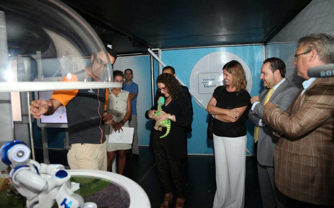 La 'Tecnorrevolución' se instala en Puente Genil con la Fundación Cajasol y la Obra Social 'la Caixa'