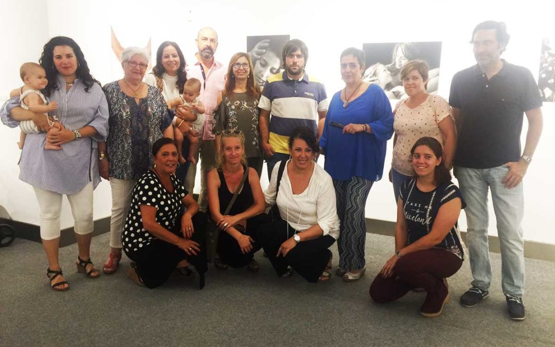 Exposición 'Maternidad & Paternidad' en Huelva: Relaciones, emociones y responsabilidades que trascienden lo puramente biológico