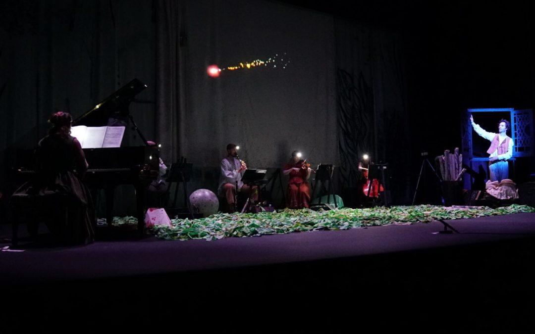 Los más pequeños se familiarizan con la música del siglo XX en 'El coleccionista de paisajes' desde el Gran Teatro Falla