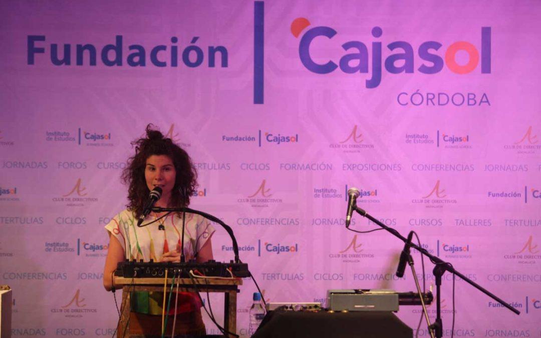 'desConcierto' en Córdoba con la actuación de La Cris 'DCerca' en la Fundación Cajasol