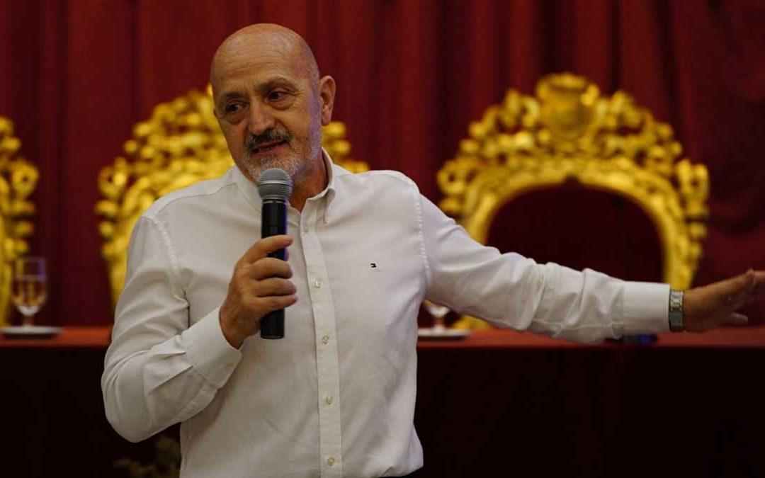 Sebastián Álvaro, 'Derribando mitos' en la Diputación de Cádiz dentro del ciclo de conferencias 'De Cádiz al Mundo'