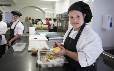 Preparados para la inauguración del Restaurante Universo Santi en Jerez