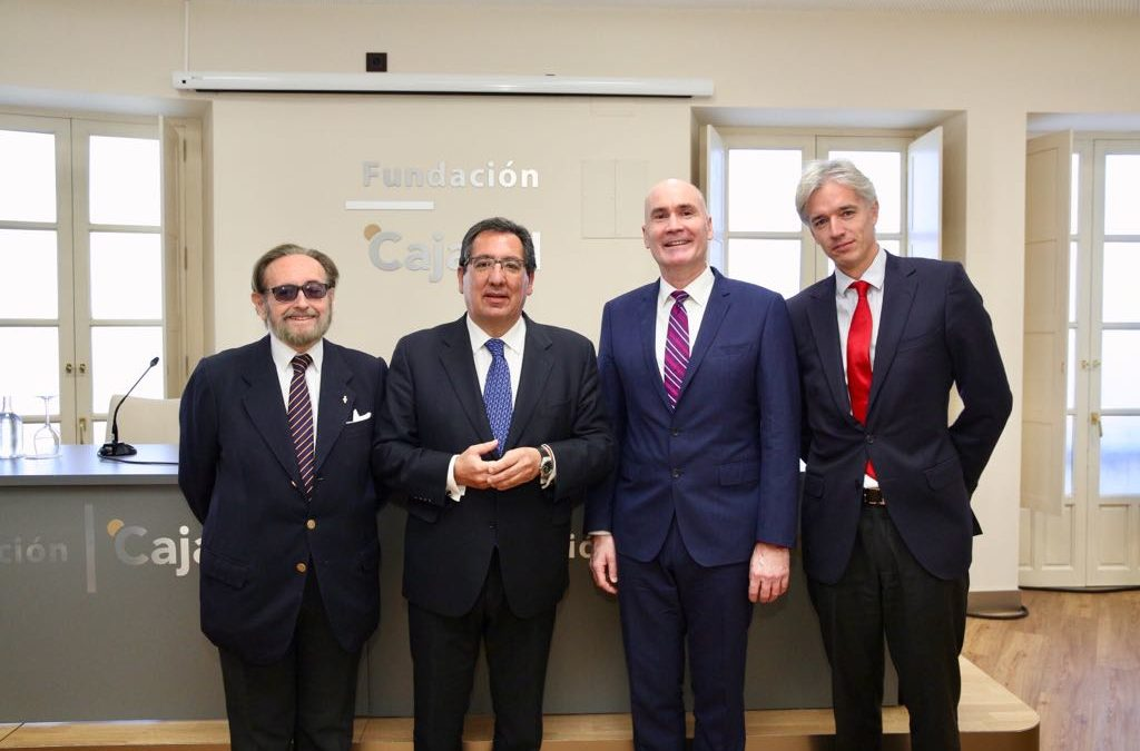 Foro de Embajadores 2017 en la Fundación Cajasol con el Embajador de Australia en España, Timothy Kane
