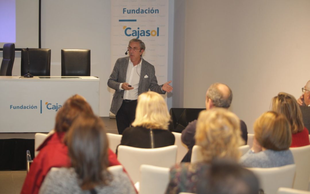 El Aula de Salud de la Fundación Cajasol y el Colegio de Médicos de Córdoba centra el debate en el consumo de alcohol entre los jóvenes