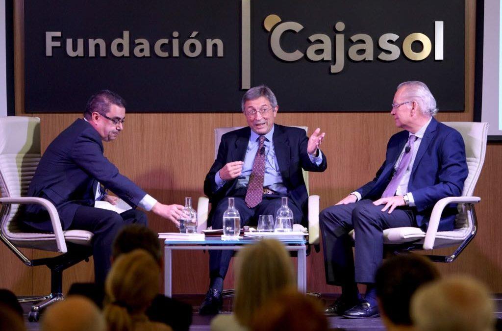 Juan Vicente Boo presenta su último libro, 'Píldoras del alma', en el Aula de Cultura de ABC de Sevilla desde la Fundación Cajasol