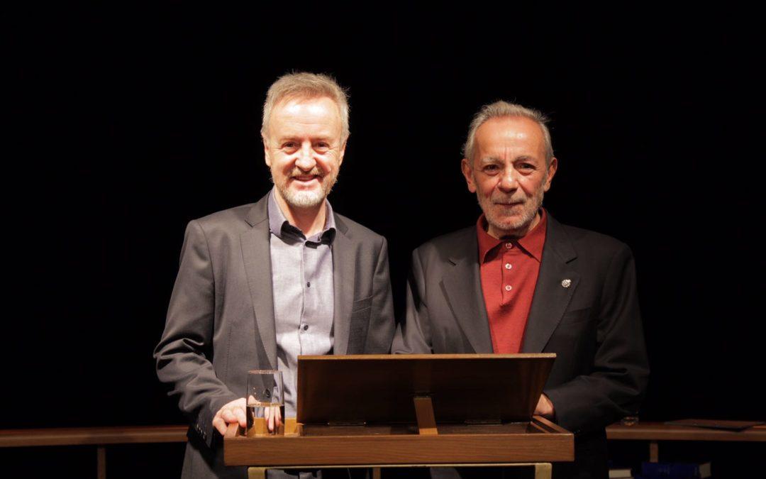 Carlos Hipólito y José Luis Gómez ejecutan la tercera propuesta del ciclo 'La lengua navega a América' en Huelva