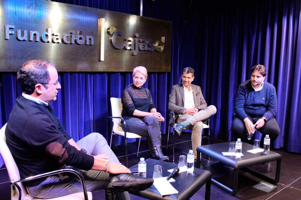 Los cocineros Xanty Elías, Susi Díaz y Paco Roncero debaten sobre Huelva como 'Capital gastronómica española 2017' en la Fundación Cajasol