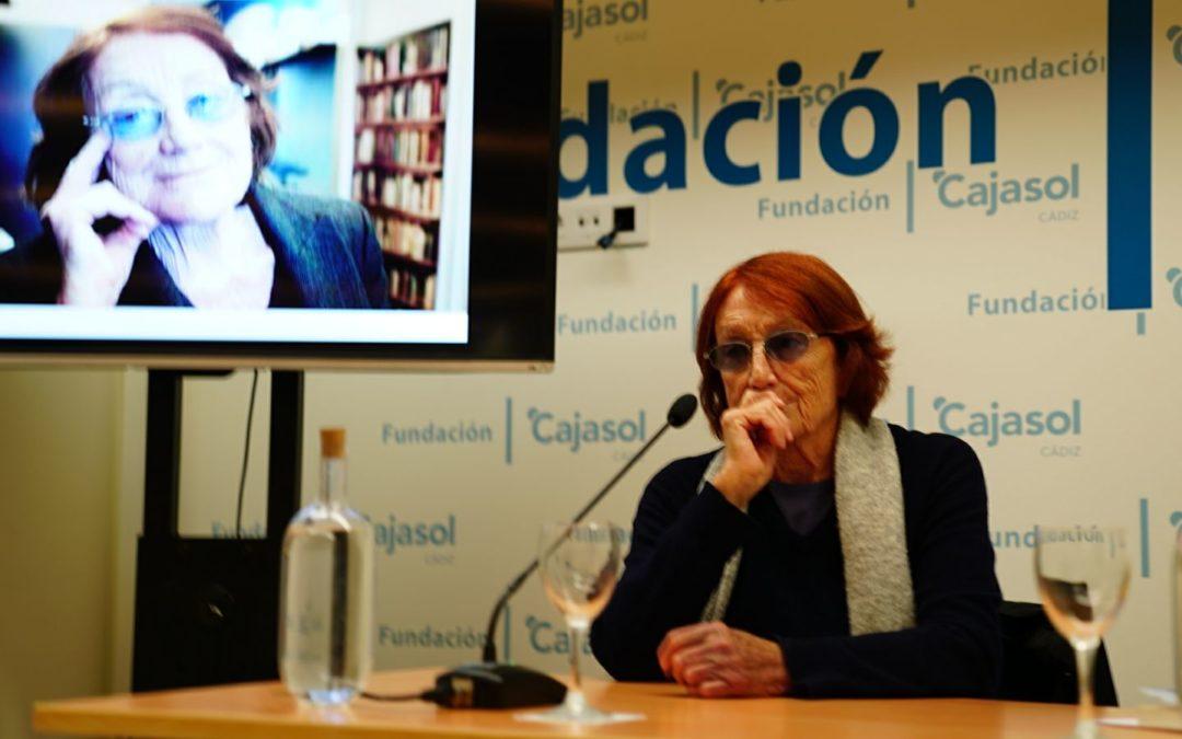 Rosa Regàs inaugura la I Semana de las Letras en Cádiz con notable éxito de público en la Fundación Cajasol