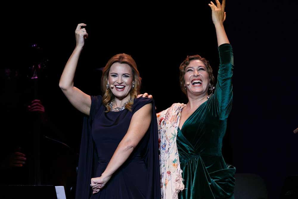 Ainhoa Arteta y Estrella Morente hacen que la Navidad 'suena con alegría'