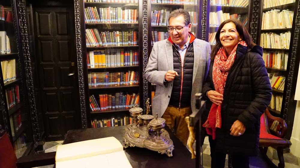 Visita de Anne Hidalgo, alcaldesa de París, a la sede de la Fundación Cajasol en Cádiz