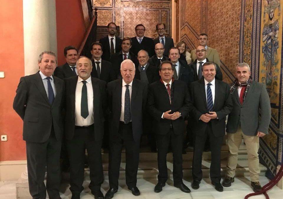 Encuentro de socios del Club de Directivos Andalucía con José Manuel García-Margallo en Sevilla
