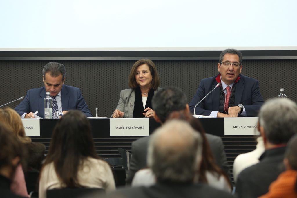 Antonio Pulido, durante su intervención en la presentación de Iniciativas Sociales Andalucía 2017