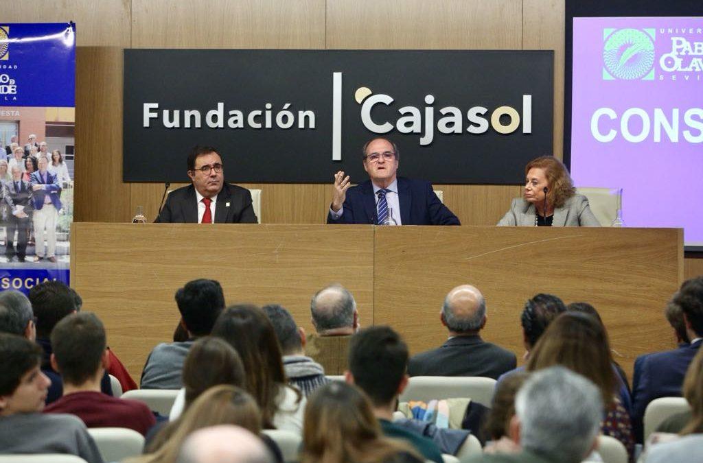 Ángel Gabilondo analiza 'La dimensión social de la universidad actual' en la Fundación Cajasol