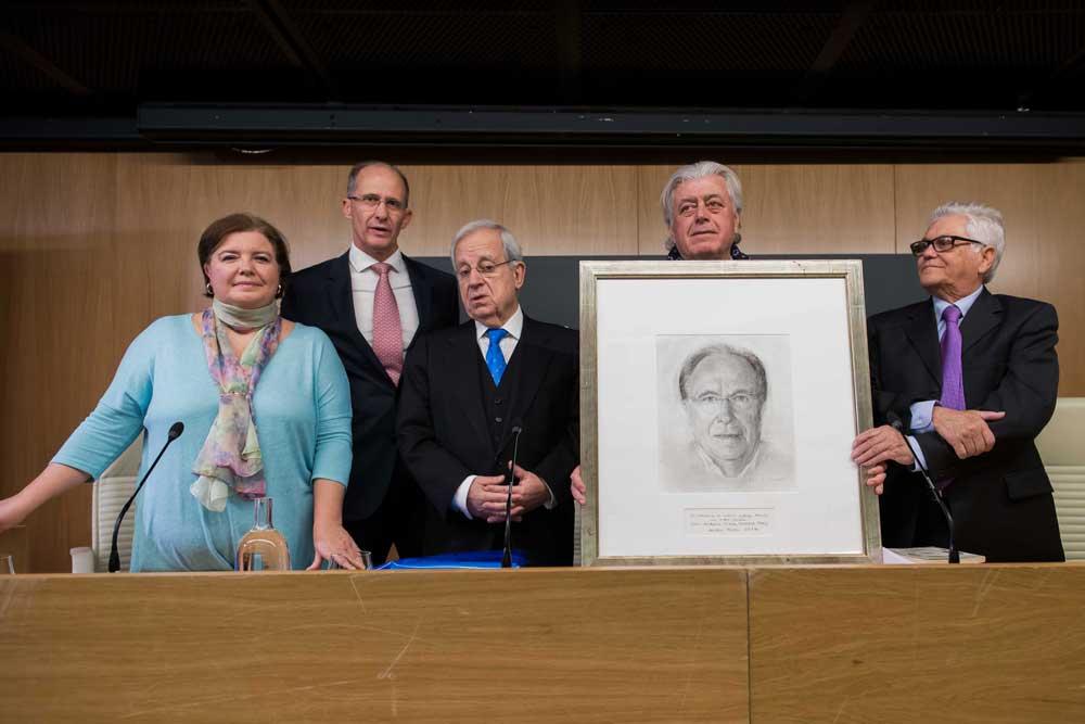 Homenaje del Foro Andaluz Nueva Sociedad a Arturo Moya en la Fundación Cajasol