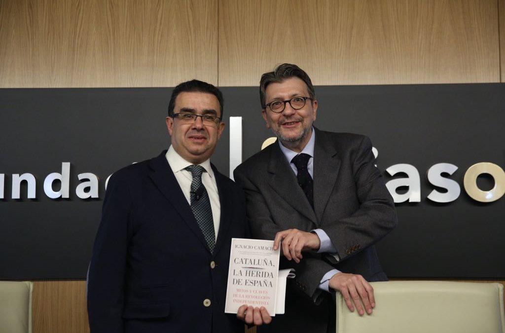 Ignacio Camacho presenta su nuevo libro, 'Cataluña, la herida de España', en la Fundación Cajasol