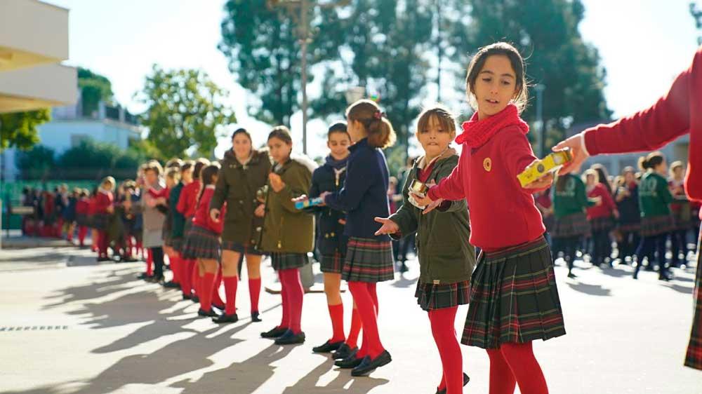 Toneladas de solidaridad desde las aulas para Andaluces Compartiendo