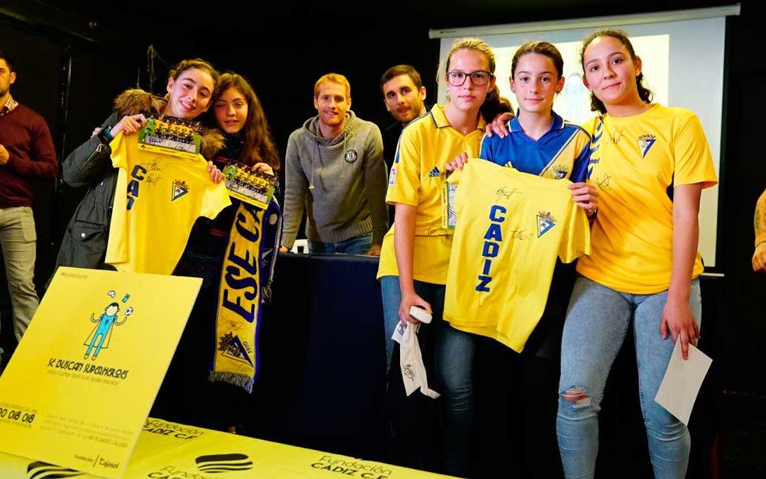 Fundación Cajasol y Cádiz CF, unidos para luchar contra el acoso escolar