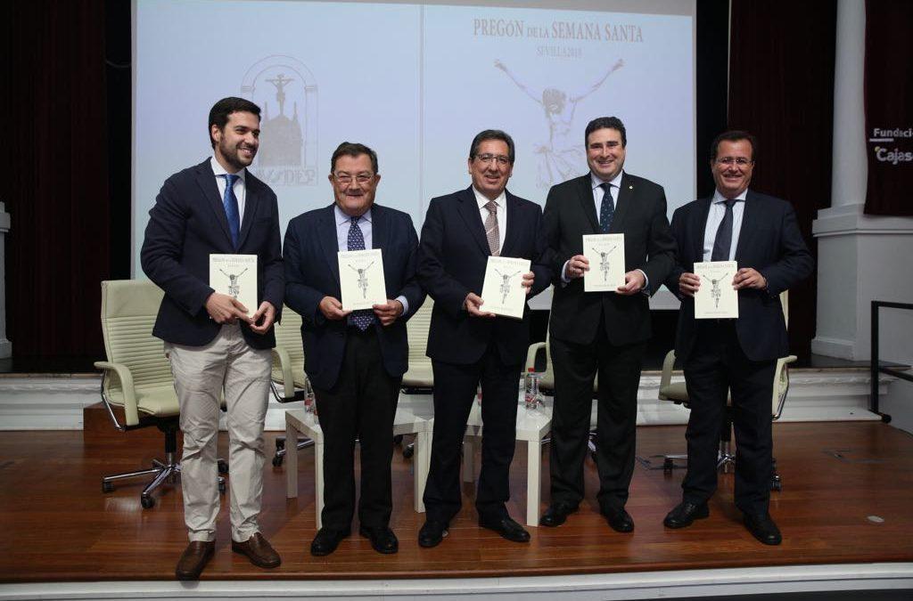 Presentación del libro del Pregón de Semana Santa de Sevilla 2018 a cargo de José Ignacio del Rey Tirado