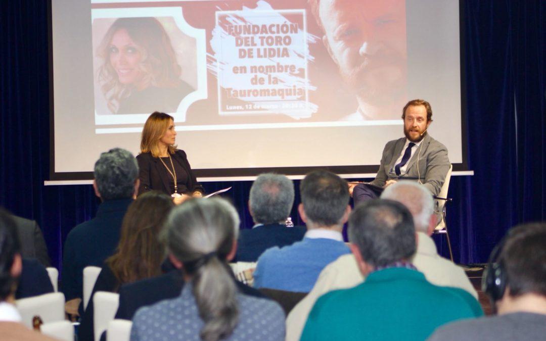Cristina Sánchez y Chapu Apaolaza, en el Ciclo Los Toros de la Fundación Cajasol en Huelva 'En nombre de la tauromaquia'