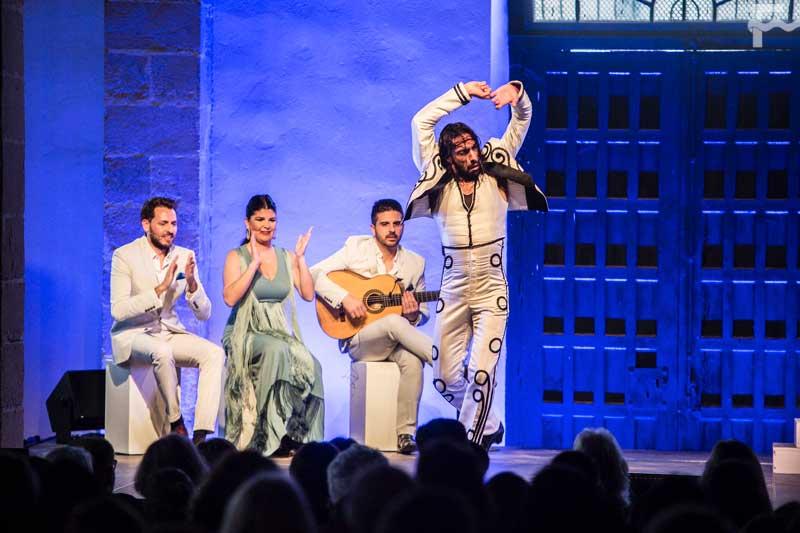 Eduardo Guerrero estrenó el Ciclo Cajasol: Flamenco en la Bodega con 'Faro'