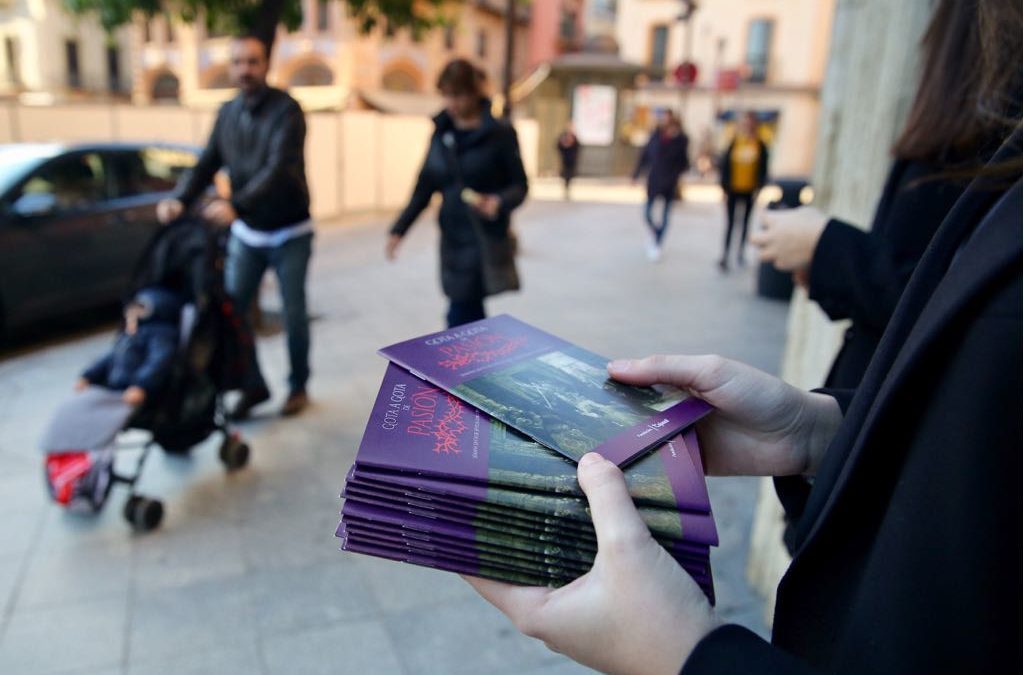 Consigue tu programa de mano de la Semana Santa de Sevilla 'Gota a Gota de Pasión 2019'