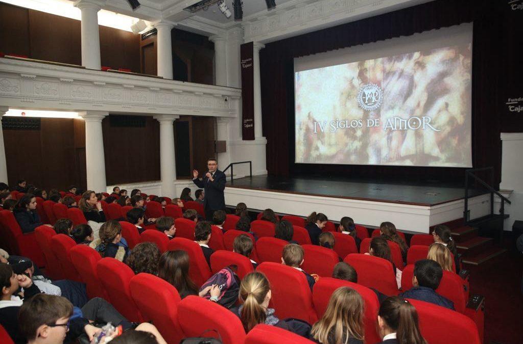 Más de mil escolares asisten a la proyección del documental 'IV siglos de Amor' en la Fundación Cajasol