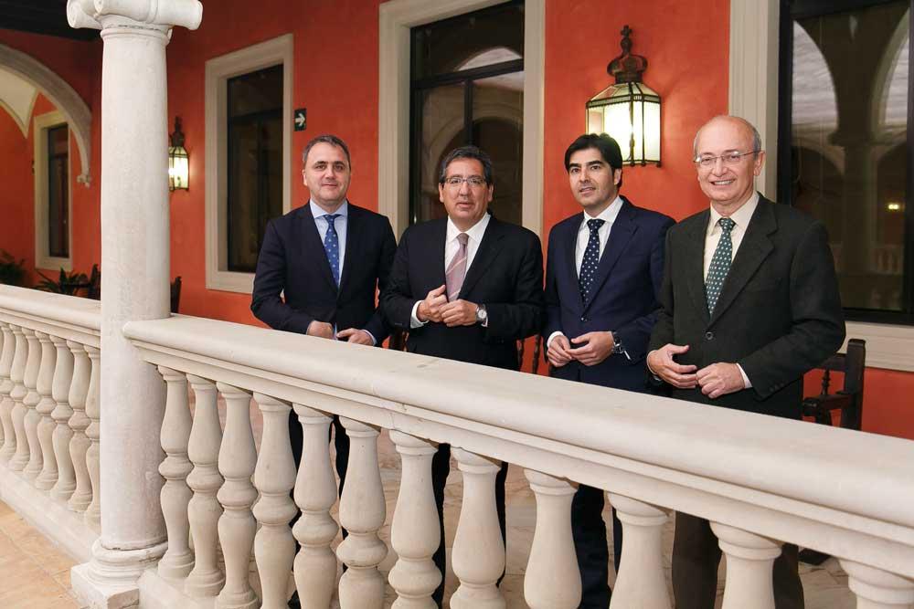La Fundación Cajasol mantiene su apuesta por las actividades deportivas renovando su colaboración con la Fundación ARO