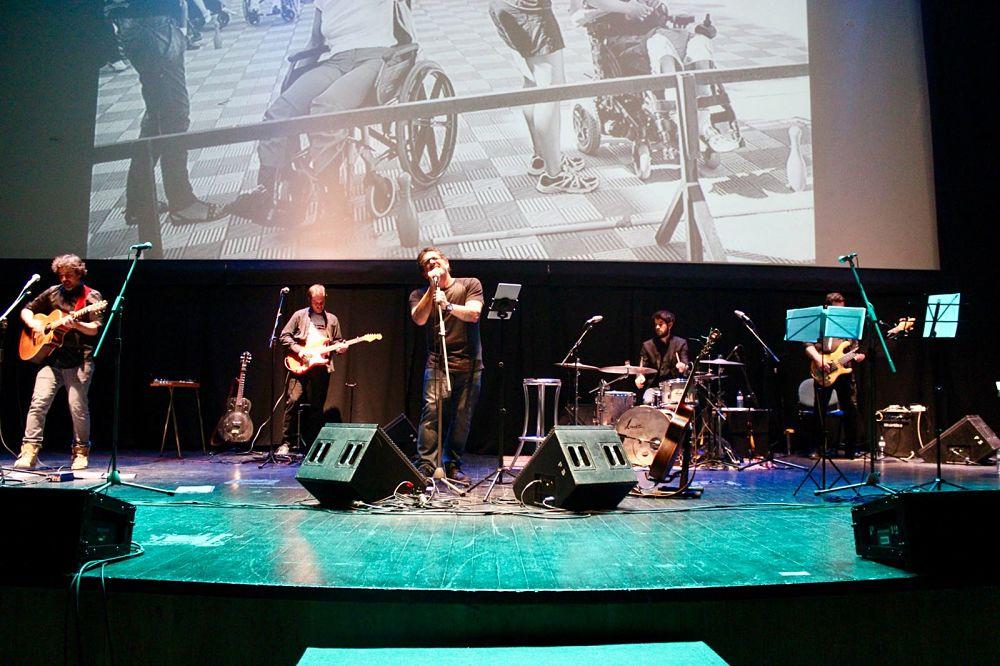 Concierto de Pedro Sosa en Huelva a beneficio de la Casa Paco Girón, Aspacehu y Mensajeros de la Paz