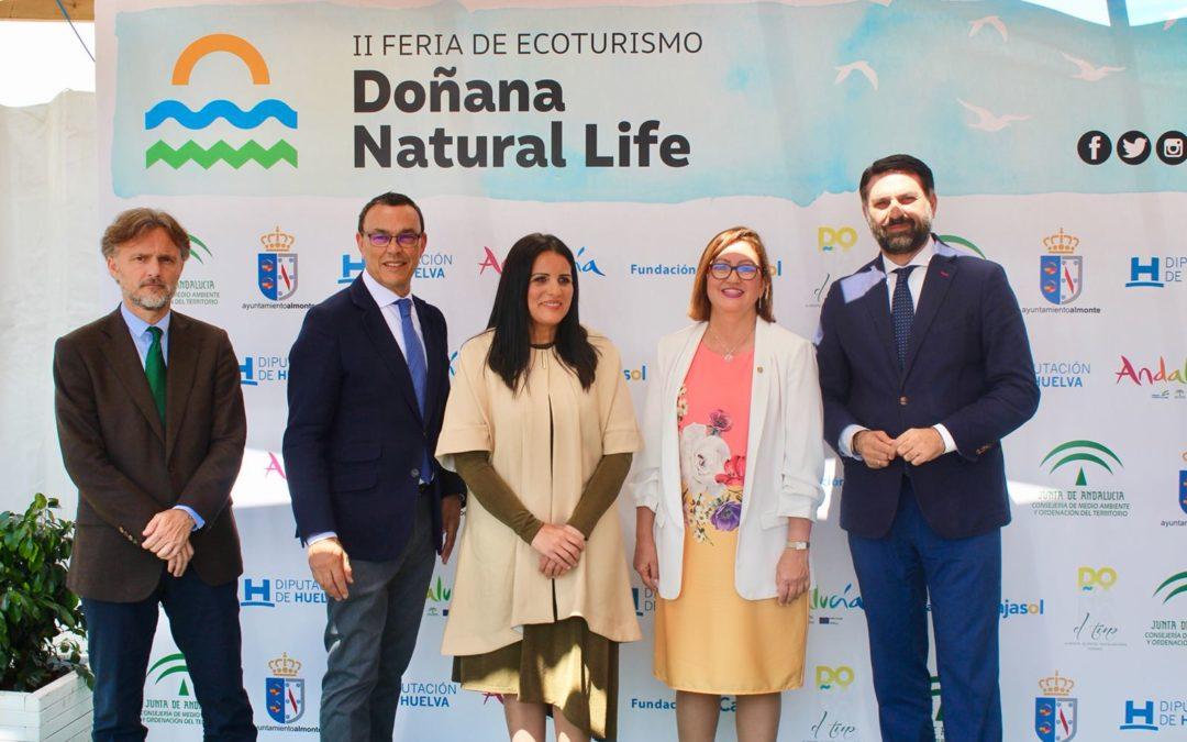 La Fundación Cajasol apoya la II Feria de Ecoturismo Doñana Natural Life, que potencia el destino 'Huelva'