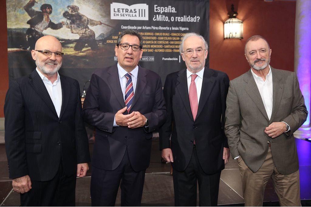 Jesús Vigorra, Antonio Pulido, Santiago Muñoz Machado y Arturo Pérez-Reverte