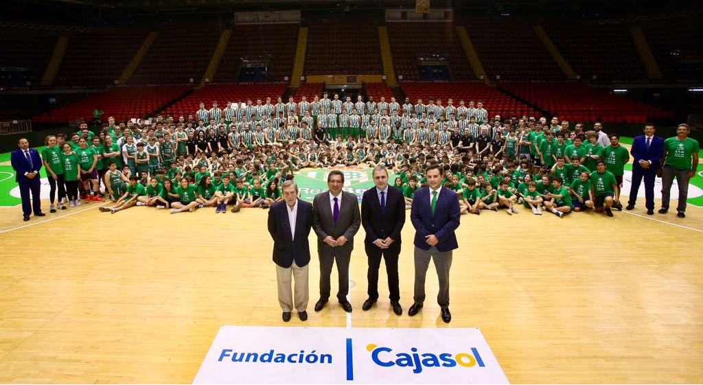 La Fundación Cajasol mantiene su compromiso como principal colaborador de la cantera del Real Betis Energía Plus
