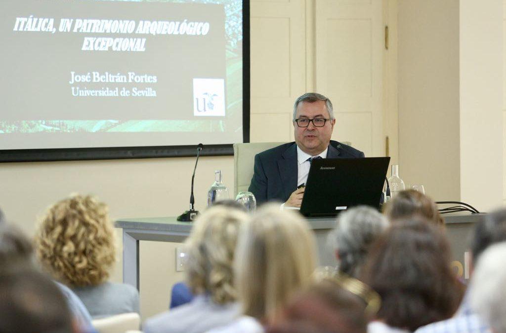 Conferencia de José Beltrán Fortes en el Seminario sobre Itálica en la Fundación Cajasol