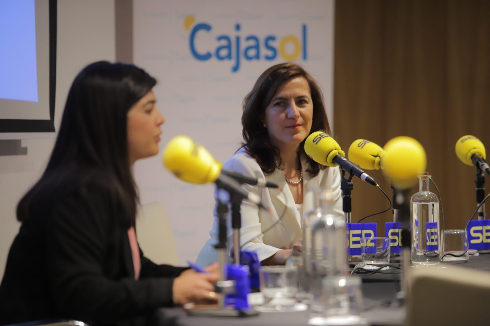 Beatriz López Alba y Raquel Cabezudo, durante su diálogo