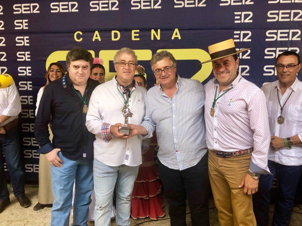 Grupo Onuba recibe Premio Tamborilero 2018 de manos de Antonio Yélamo