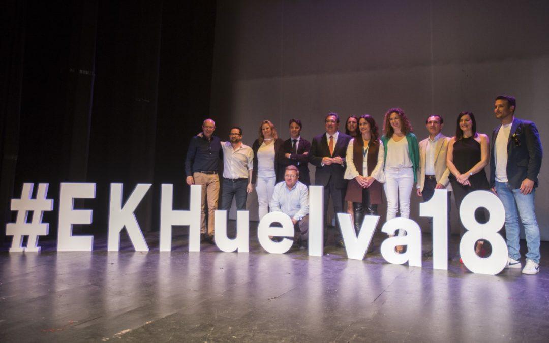 La Fundación Cajasol estrena el 'Espacio Knowmads' en Huelva y reúne a 500 personas para hablar sobre marca personal, emprendimiento y empleo