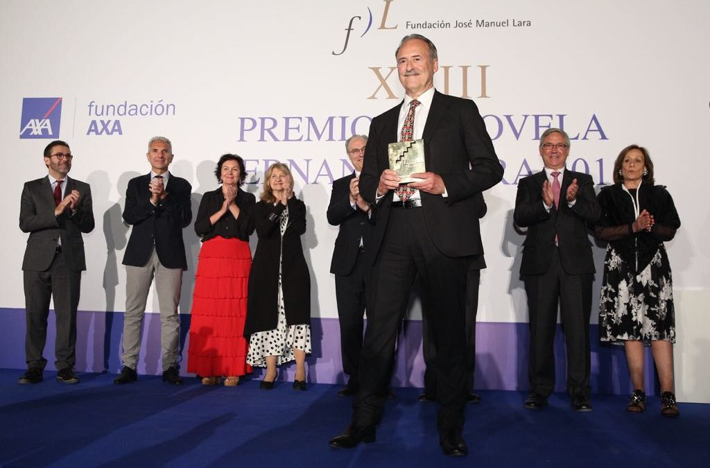 Jorge Molist, XXIII Premio de Novela Fernando Lara, por su novela 'Canción de sangre y oro'