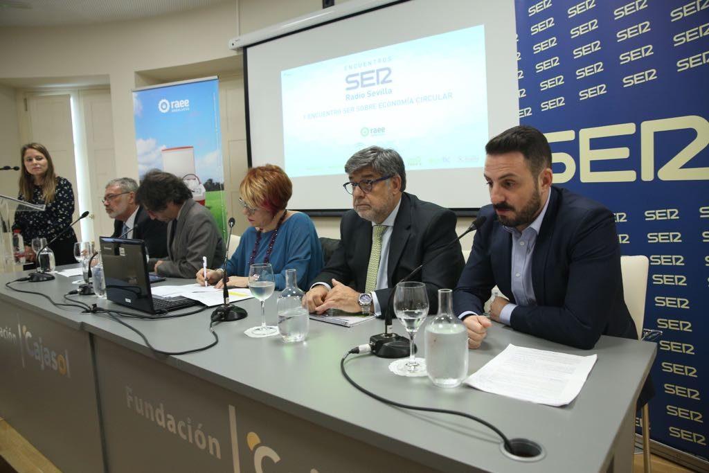 Meso redonda con expertos en economía circular desde la Fundación Cajasol