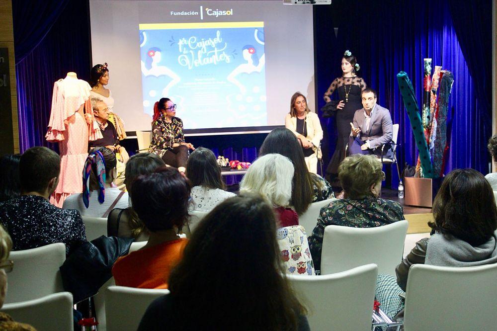 El Foro 'Cajasol de Volantes' pone en valor la industria de la moda flamenca en Huelva