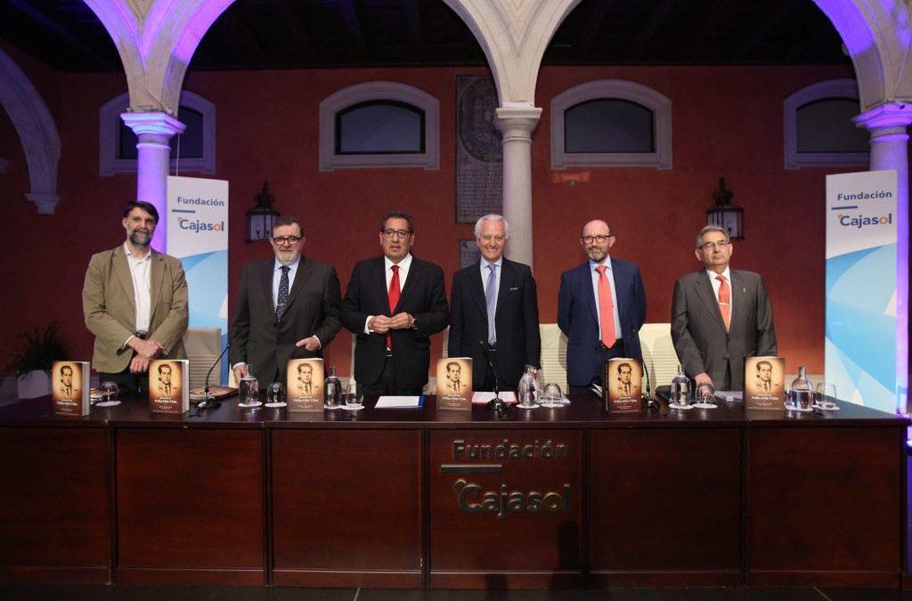 Presentación del libro 'Jirones de toda una vida' en la Fundación Cajasol