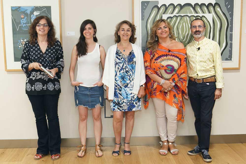 Lucrecia Hevia, Ana Requena, Adela Muñoz, Beatriz Carrillo, y Octavio Salazar